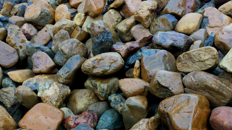Bulk Decorative Gravel & Pebbles